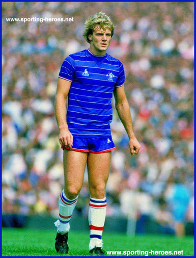 Kerry Dixon - Chelsea FC - Biography of his playing career at Chelsea.