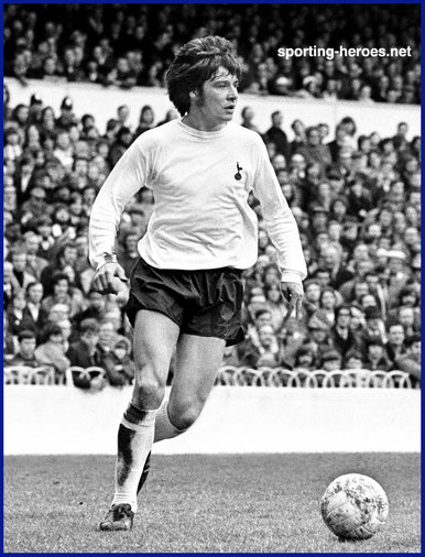 Cyril Knowles - Tottenham Hotspur - Biography of his career at Spurs.