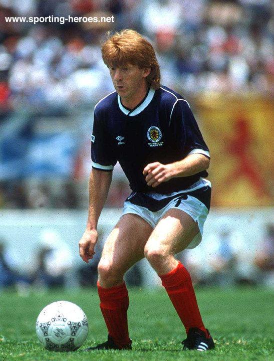 c7403d14d7e Gordon STRACHAN - International football caps for Scotland. - Scotland