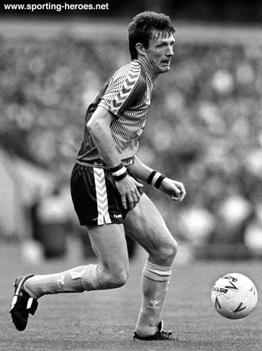 Allan Evans - Aston Villa  - League appearances.